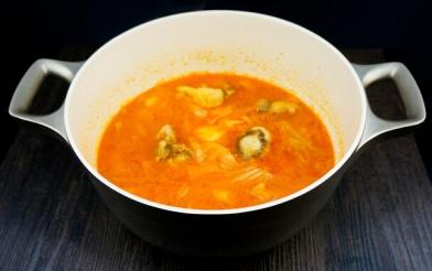 韩式辣白菜牛尾汤