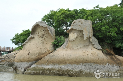木浦纱笠岩