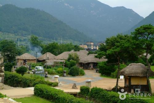 乐安邑城民俗村