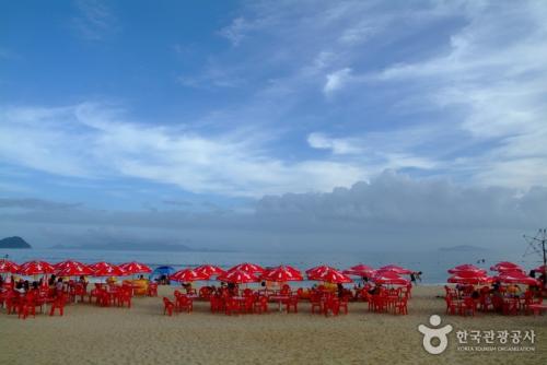 薪智鸣沙十里海水浴场